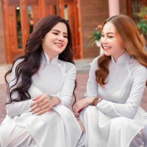 2 Cô giáo dạy seo quận 1